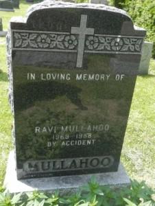 Ravi Mullahoo headstone